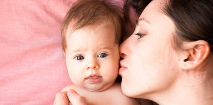 Kas nutinka, kai vaikui duodame du, o ne vieną vardą?