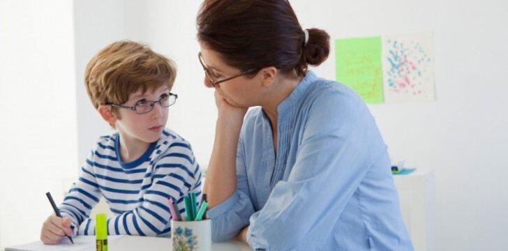 A.Landsbergienė: ar tėvai turi padėti vaikams ruošti namų darbus