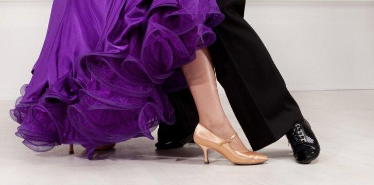 """Svečius nustebino mamos ir sūnaus šokis per jo vestuves <span style=""""color: #ff0000;""""><sup>VIDEO</sup></span>"""