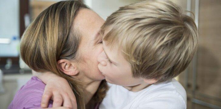 Tik 4 žodžiai, kad vaikai jūsų klausytų: jokių barnių ir rėkimų