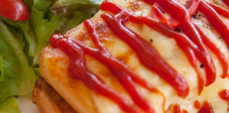 Kepti sumuštiniai su mocarela ir pomidorų padažu