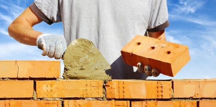 Mūrijame sienas: ką reikėtų žinoti apie plytas ir blokelius