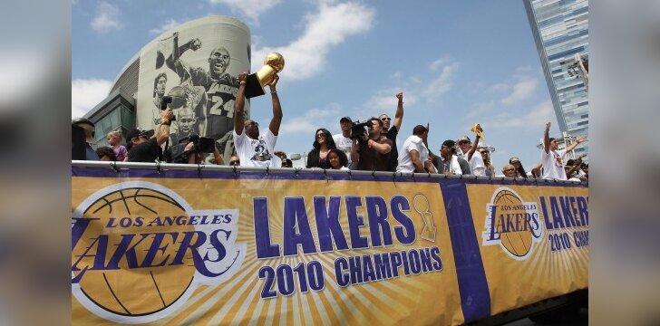"""Paradas skirtas Los Andželo """"Lakers"""" klubo pergalės NBA lygoje garbei"""