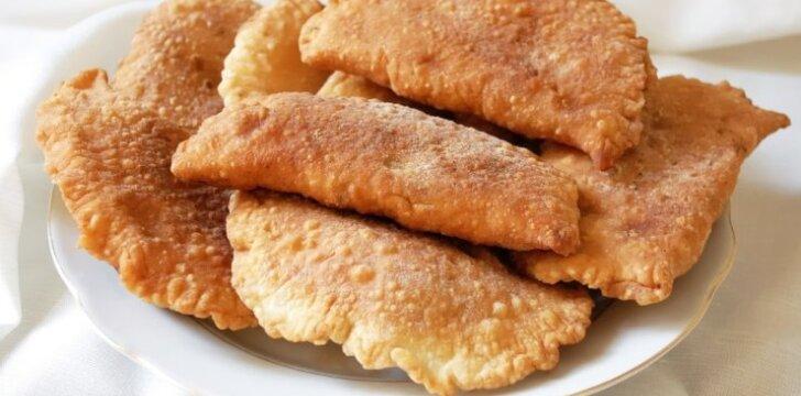 Bulviniai pyragėliai su grybų įdaru