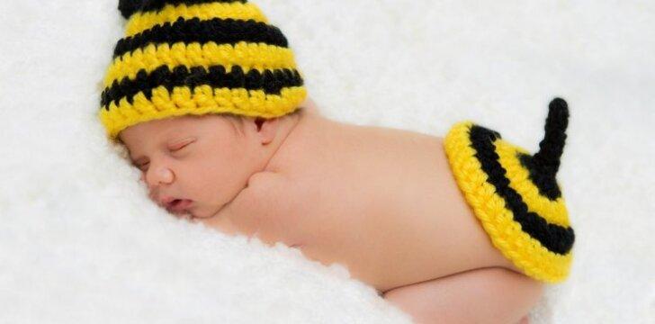 """Kiek valandų miego per parą reikia vaikui? <span style=""""color: #ff0000;""""><sup>+ Lentelė</sup></span>"""