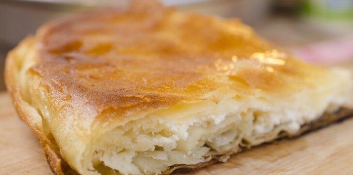 Pyragas su fetos sūriu
