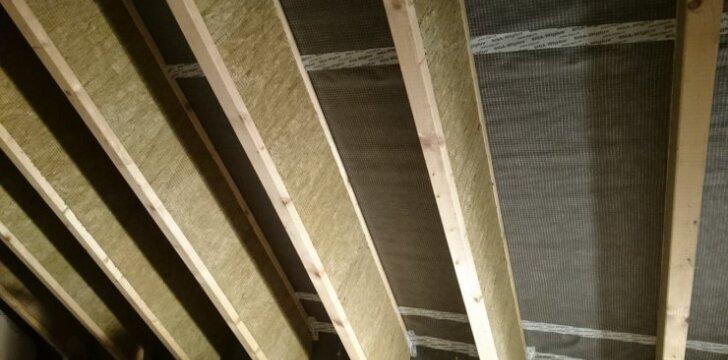Darau pats: A+ klasės namo stogo šiltinimas