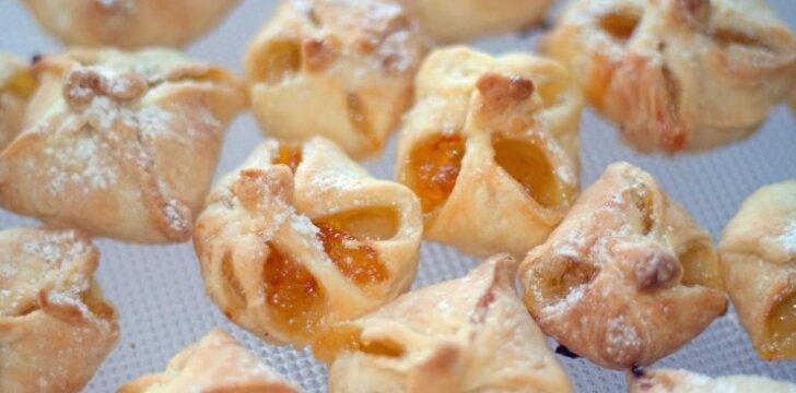 Pyragėliai su obuoliais, kurie nuo stalo dingsta pirmi