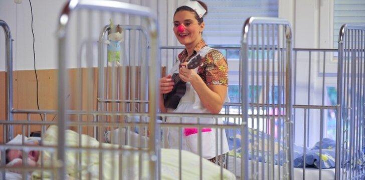 Ką vaikų ligoninėje veikia klounai