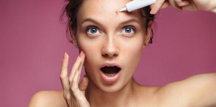 Dermatologė papasakojo, kokias klaidas darome valydamos veido odą