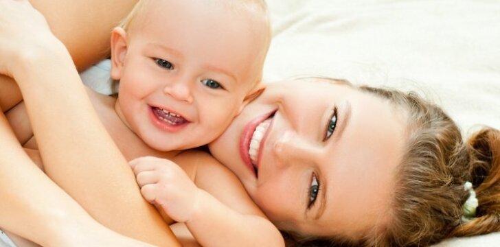 Mamos pienu maitinti vaikai alergija serga rečiau