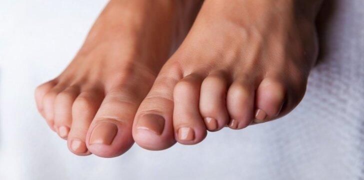 Kokiomis priemonėmis kovoti su nemaloniu kojų kvapu