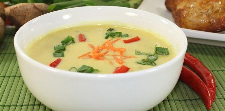 Daržovių sriuba su kokosų pienu ir ryžių makaronais
