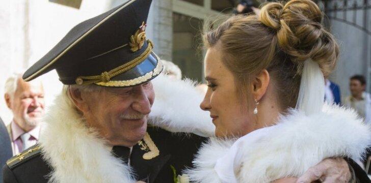 Aktorius Ivan Krasko vedė 24 metų sužadėtinę Natalią Shevel.