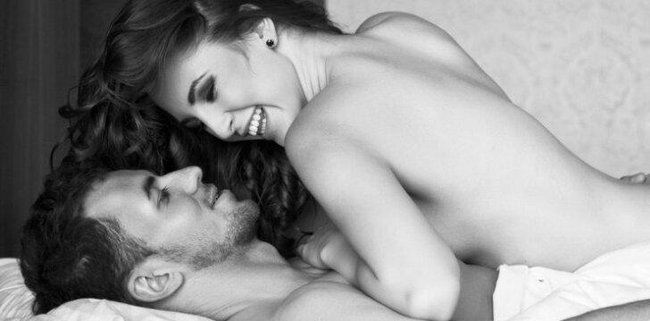 Geriausi sekso triukai, kuriuos turėtum išbandyti lovoje