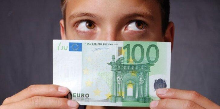 Kaip protingiausia pasielgti su vaikų santaupomis iki įvedant eurą