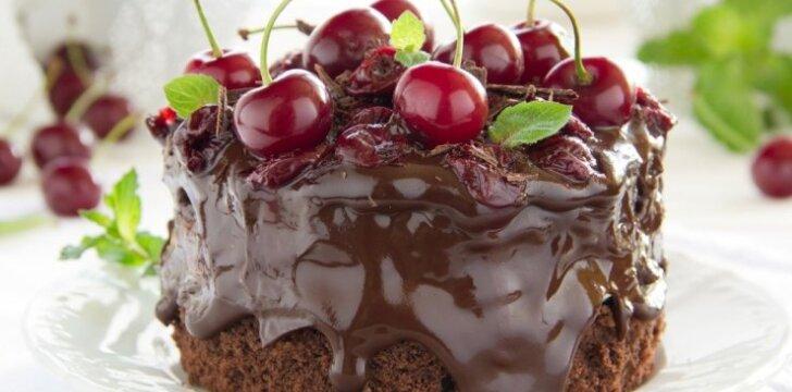 Šokoladinis tortas su vyšniomis