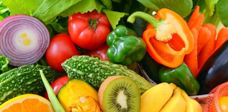 Kurias daržoves sveikiau valgyti žalias, o kurias išvirtas?
