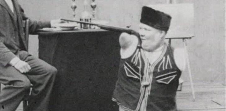 Nikolajus Kobelkovas pasirodymo metu