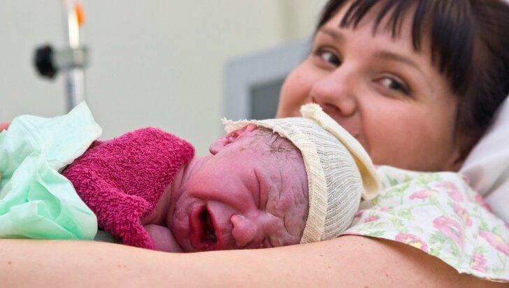 Vyresnė ar jaunesnė: koks amžius idealus tapti mama