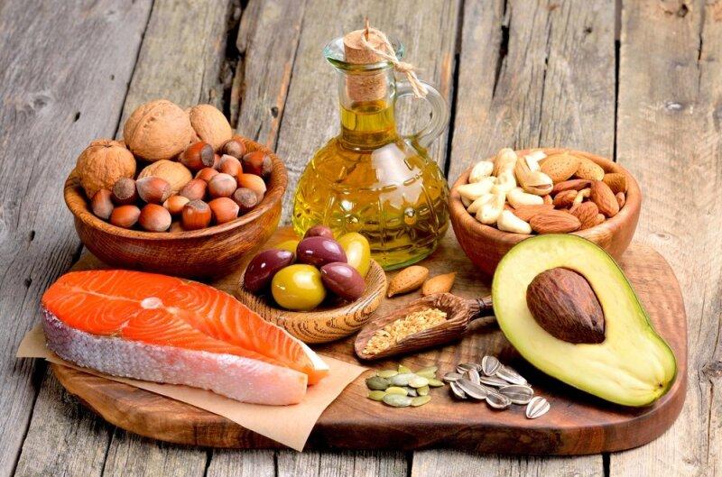 Kodėl būtina valgyti riebalų turinčio maisto?