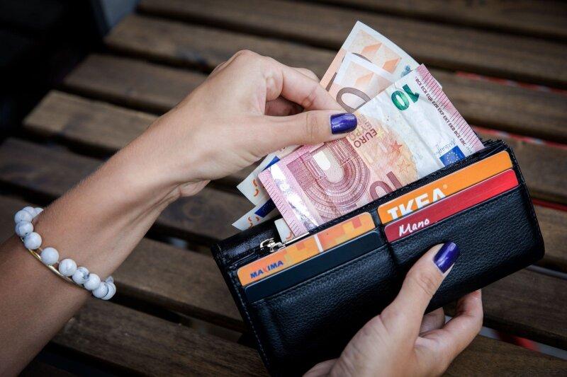kaip teisėtai užsidirbti pinigų namuose