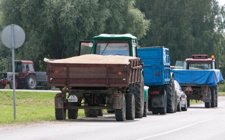 Viaduko remontas jau netrukdo pakaunės ūkininkams gabenti derlių