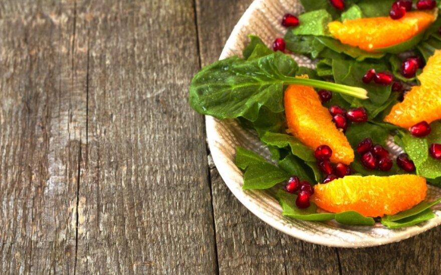 Špinatų ir apelsinų salotos