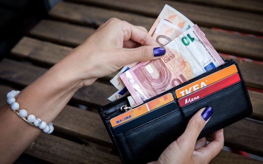 Eurokomisarė tikisi pokyčių dėl algų Lyčių lygybės institute