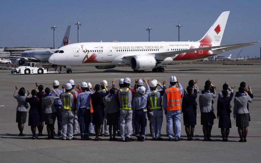 Japonija išsiuntė į Atėnus specialų lėktuvą olimpinei ugniai pargabenti
