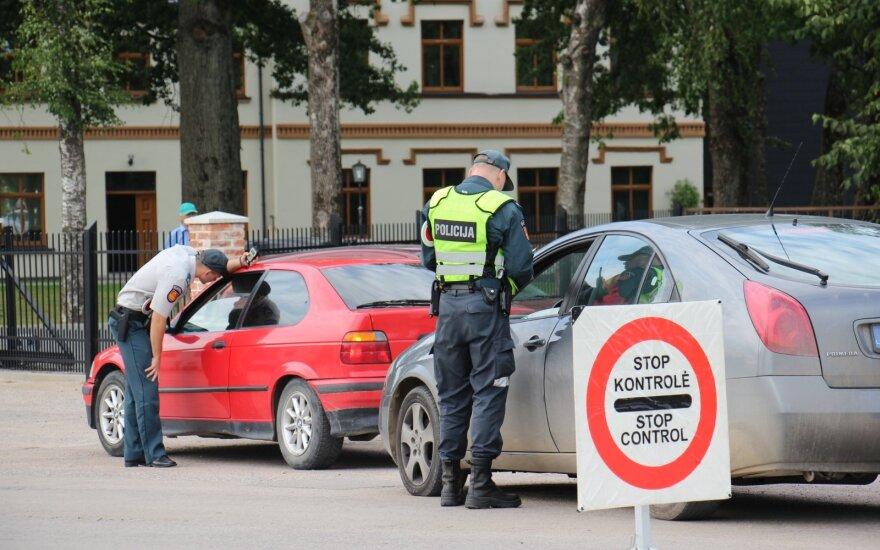 Reidai pajūrio regione: dešimt girtų vairuotojų, baudų neišvengė ir dviratininkai bei pėstieji