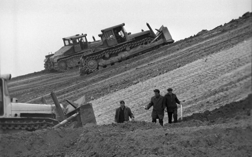 Grįžus į Sovietų Sąjungą pasitiko žiauri realybė: alkani žmonės ėjo prašydami duonos kriaukšlės