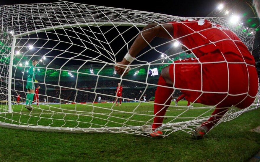 """Vėl suklupęs """"Bayern"""" nusirito net į septintą vietą"""