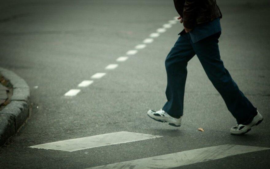 Vilniuje naikinamos nereguliuojamos pėsčiųjų perėjos