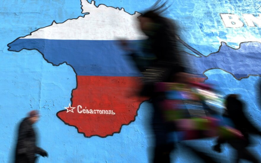 ES dėl vadinamųjų rinkimų Kryme į sankcijų sąrašą įtraukė dar septynis asmenis