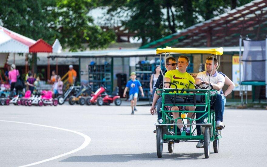 Vingio parke - mažiau vietos automobiliams, stovėjimas bus mokamas