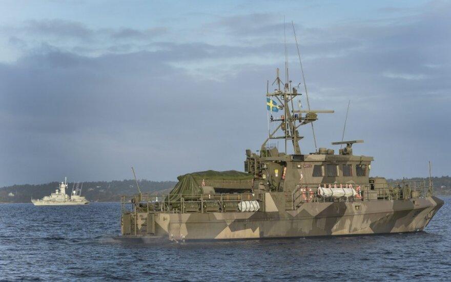 Rusija aiškina, kodėl prie Švedijos ratus suka jos tanklaivis