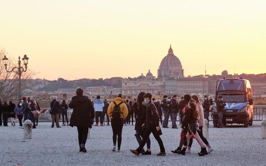 Italija pradės švelninti dėl COVID-19 įvestus apribojimus balandžio 26 d.