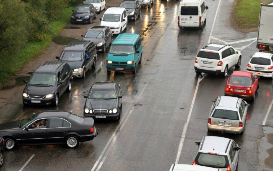 Milijonas automobilių nebegali važiuoti į gatves