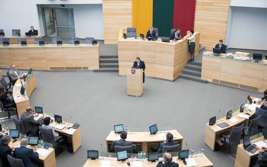 """Seimo """"prašytojai"""" premjero įspėjimo apie įtemptą biudžetą nesiklauso"""