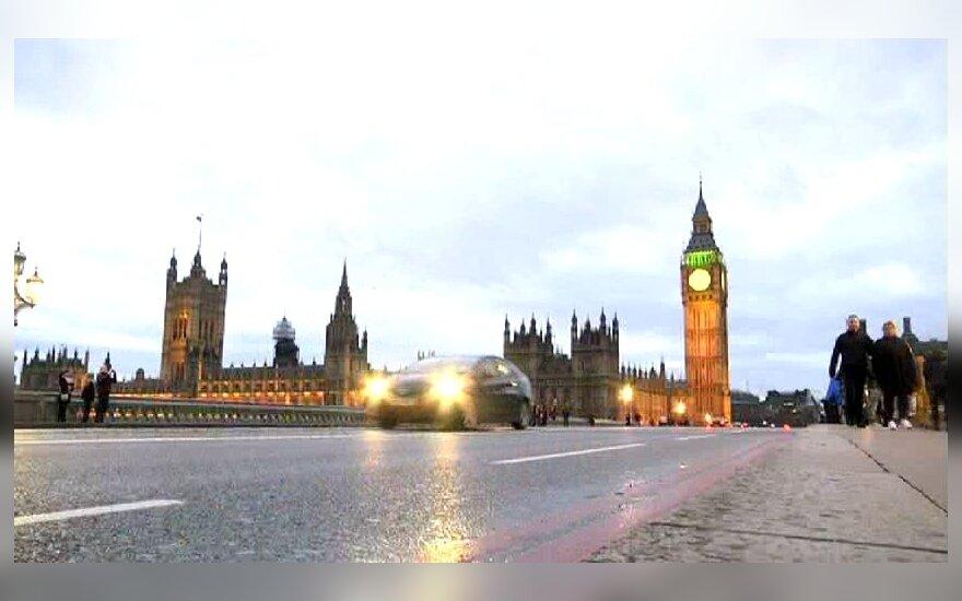 """Grasinimas: Europos bankai """"apleis"""" Londoną, jei Jungtinė Karalystė išstos iš ES"""
