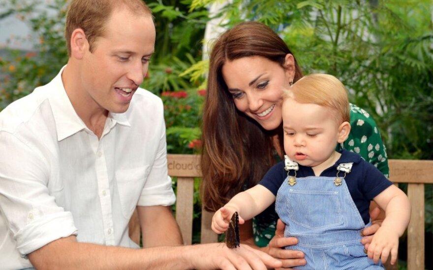 Princas George'as su tėvais
