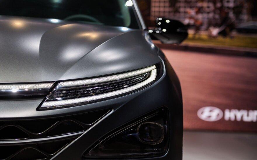"""Paryžiaus automobilių parodoje pristatytas """"Hyundai Nexo"""""""