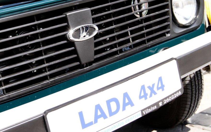 """""""Lada"""" Rusijoje baiminasi """"Volkswagen"""" ir GM konkurencijos"""