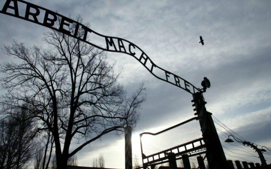 Prezidentas, Seimo pirmininkas vyksta į Aušvicą pagerbti žydų aukų atminimo