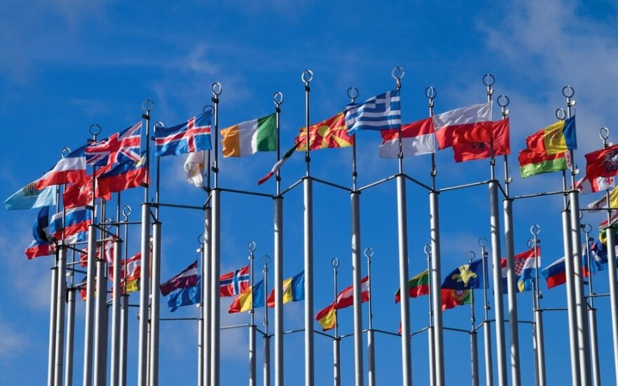 Skirs pagalbą tik pasirašiusiems naują ES sutartį
