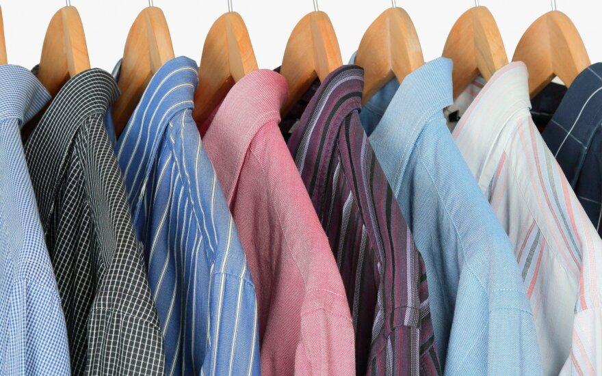 Aptiko svetimu prekių ženklu pažymėtais drabužiais prekiavusią parduotuvę