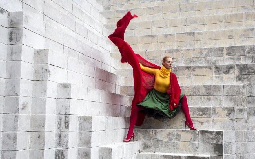 Nori įspūdingai įamžinti Lietuvos šimtmetį: trispalvę suknelę mezgė tris savaites