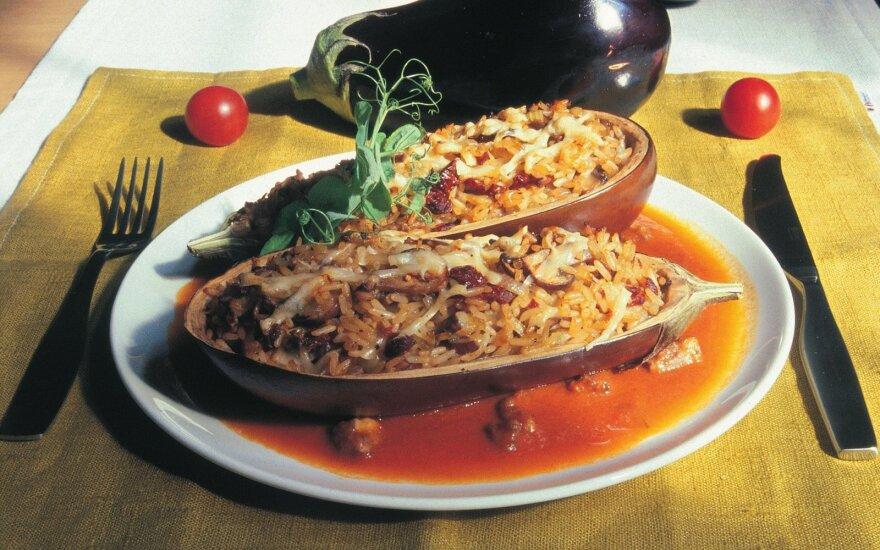 Ryžiais ir faršu įdaryti baklažanai