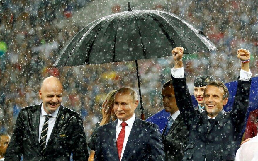 Gianni Infantino, Vladimiras Putinas, Emmanuelis Macronas 2018-aisiais